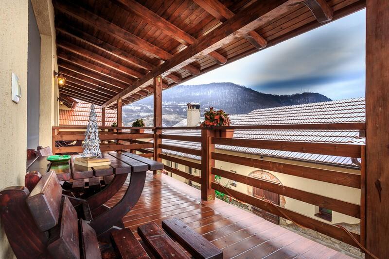balcon cu vedere iarna