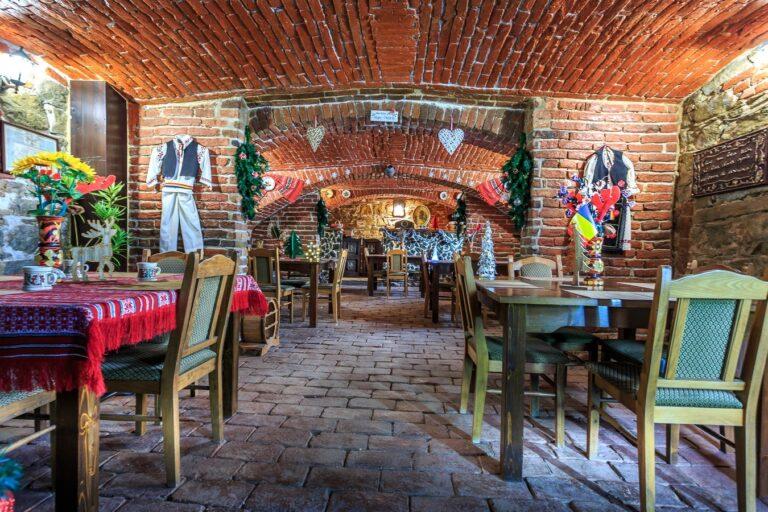 Cazare Punct Gastronomic Local