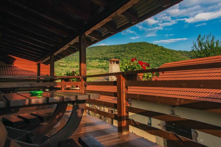 Balcon Cu Vedere La Padure